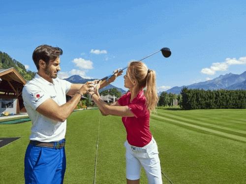 Golfplatz nahe dem Golfhotel in Zell am See-Kaprun - Verwöhnhotel Vötter's Sportkristall